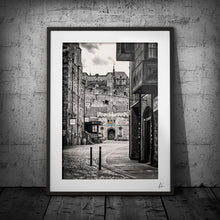 Load image into Gallery viewer, Edinburgh Castle Royal Mile