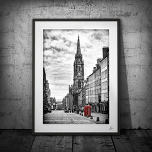 Load image into Gallery viewer, Edinburgh travel art