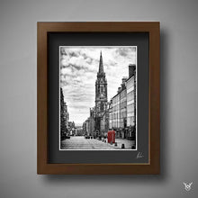 Load image into Gallery viewer, Edinburgh Royal Mile Print