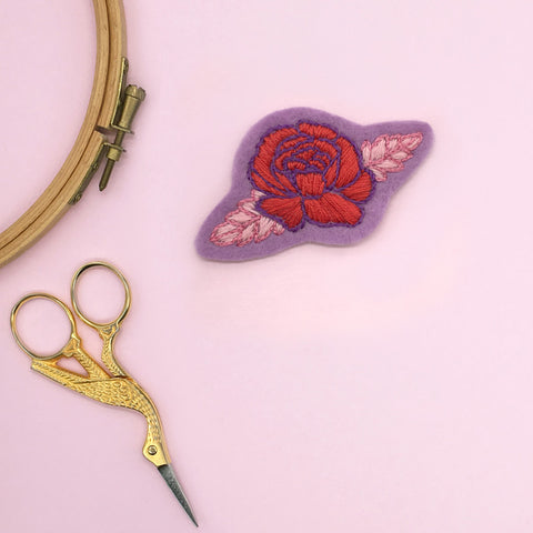 How to make an hand embroidered patch. Felt rose patch from Lazy May Fab flowers pattern set