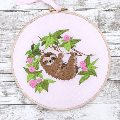 completed sloth embroidery hoop