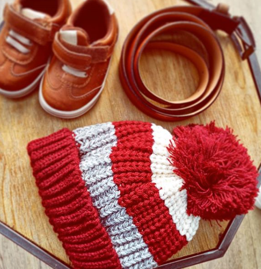 Striped Bobble Hat Berry | 1-3 Years - House of Tando