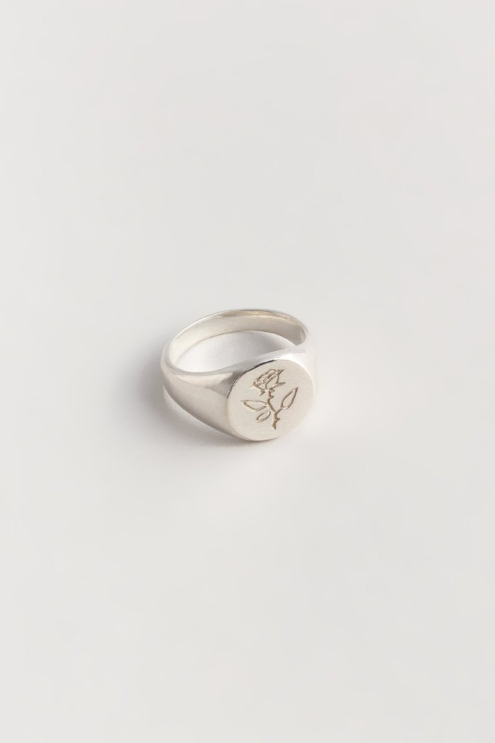 Rose Signet Ring in Silver