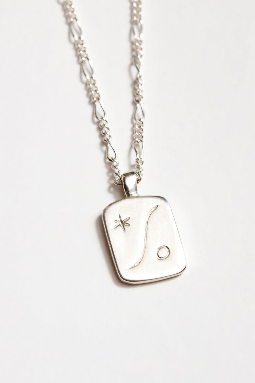 Serene Pendant Necklace in Silver