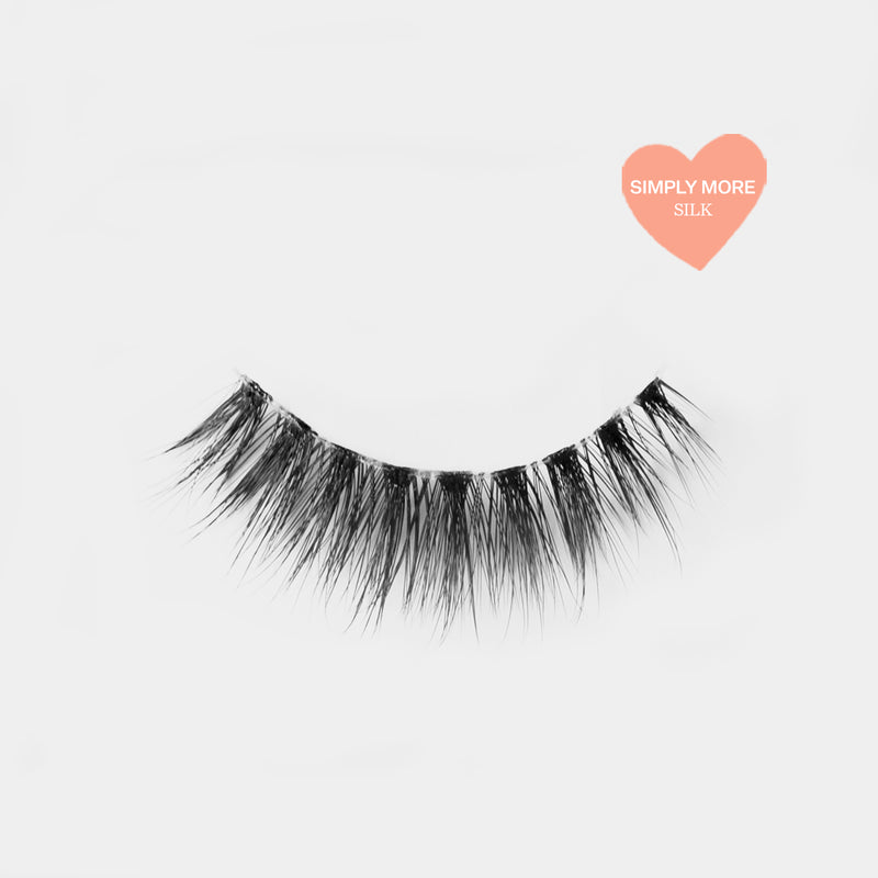 Glam looking lashes made out of high quality premium silk. Cruelty free lashes. Reusable lashes and mouldable comfort cotton band. Best high quality strip lashes. Easy to apply.