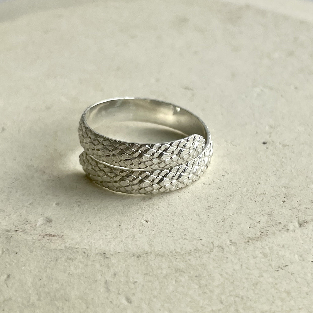 sterling silver animal print texture thumb ring handmade by Lucy Kemp Jewellery