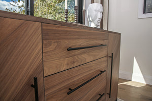 Feature Furniture: The Dresser