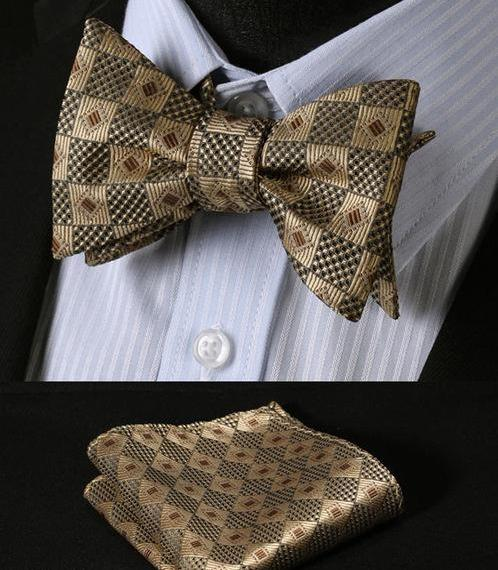 Gold Geometric Patterned Bow Tie & Handkerchief Set