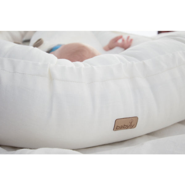 Warm white Linen Babynest