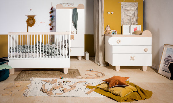 Teddy cot bed