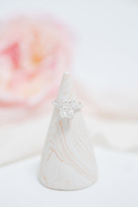 craft monkees - ring holder cone - custom marble effect - white rose gold shimmer
