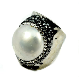 Pearl Ring surrounded by crystals in Silver