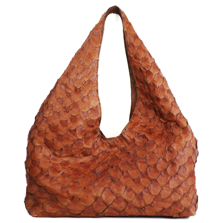 Brooke Hobo in Arapaima