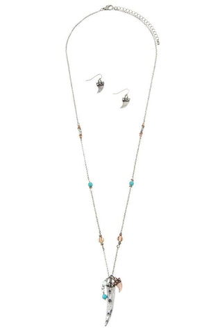 Elongated multi horn pendant necklace set