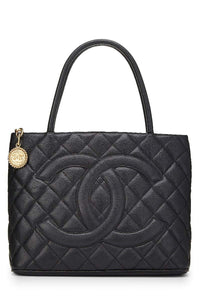 CHANEL Black Quilted Caviar Medallion Tote (Pre-Owned) - Vancelette Global Art Acquisitions