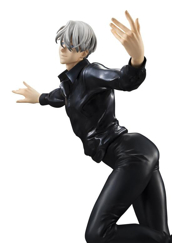 MEGAHOUSE G.E.M Series YURI!!! ON ICE VICTOR NIKIFOROV WITH MAKKACHIN Collectible Figurine