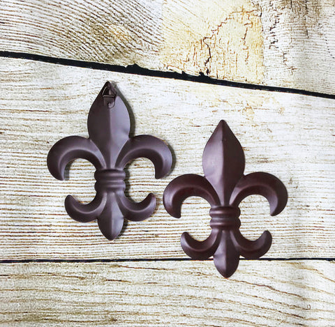 8 inch 3D Fleur De Lis Plaque- Set of 2