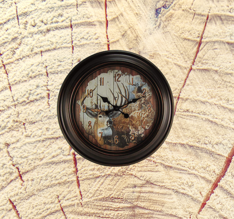 Large White Tail Buck Clock