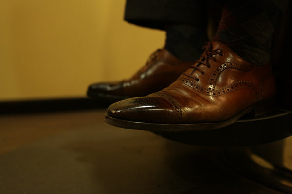 Expert Gents Shoe Shine