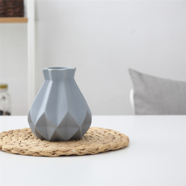 Europe Brief Matt Diamond Porcelain Vase Modern Fashion Ceramic Flower Vase Room Study Hallway Home Wedding Decoration