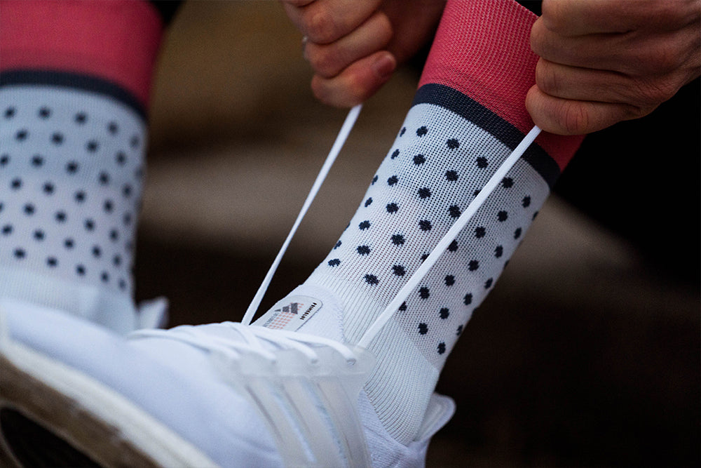 incylence classic dots sports socks in weiß, dunkelblau, coral