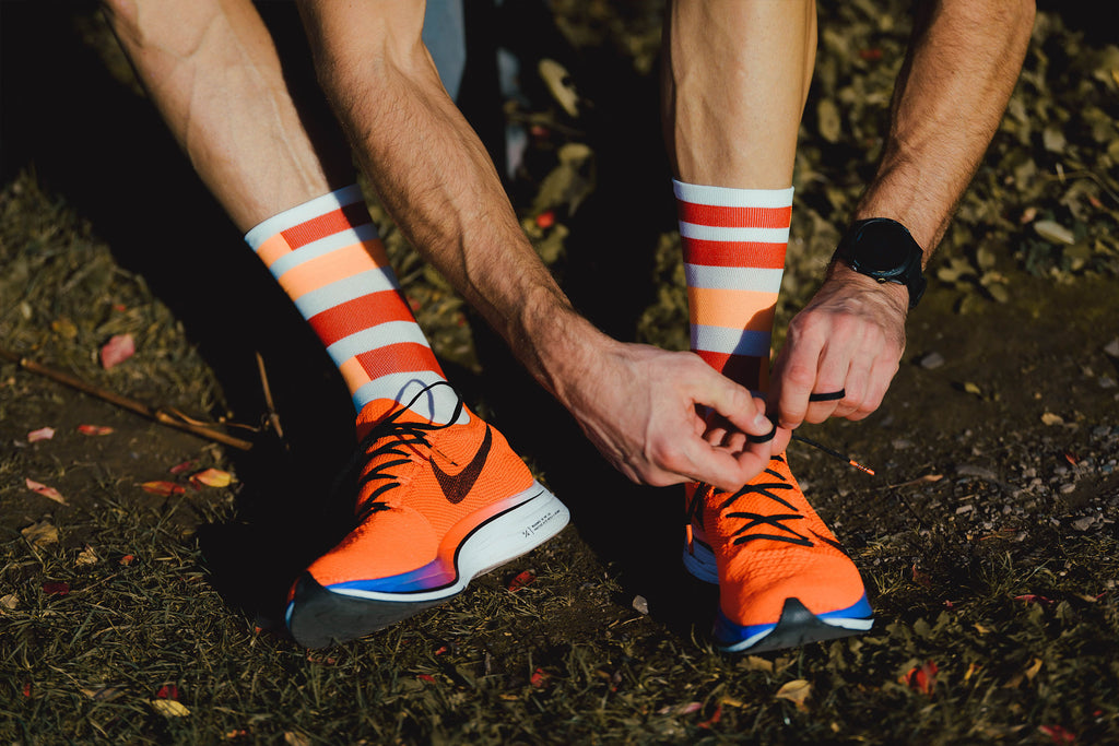 incylence spins trail running socken in weiß, grau, orange, rot