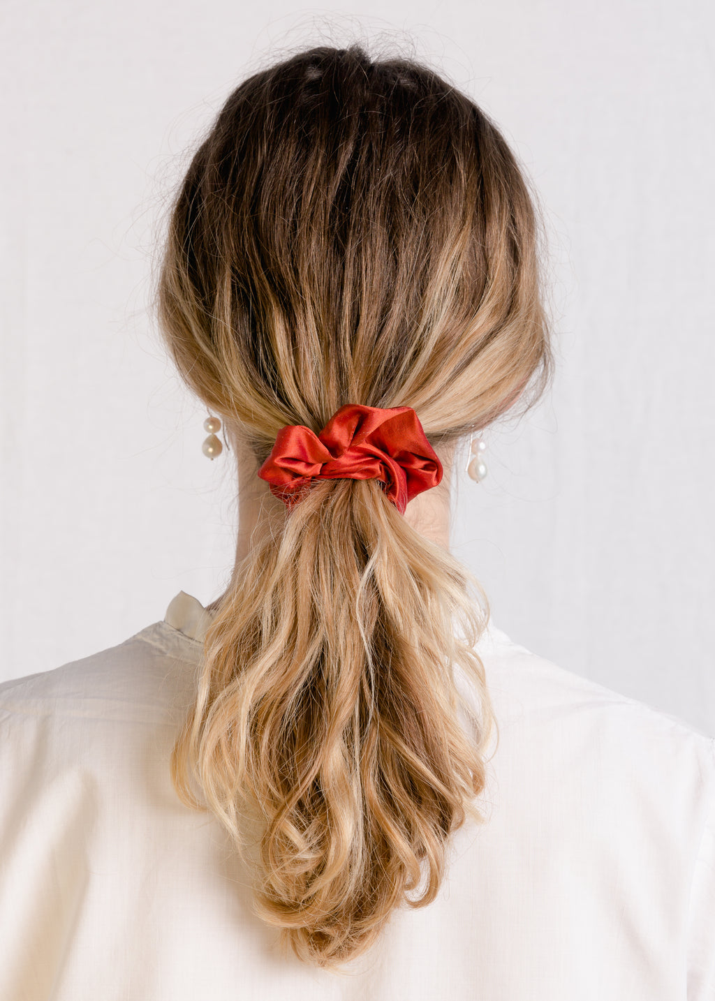 Jessie : Burnt orange silk scrunchie