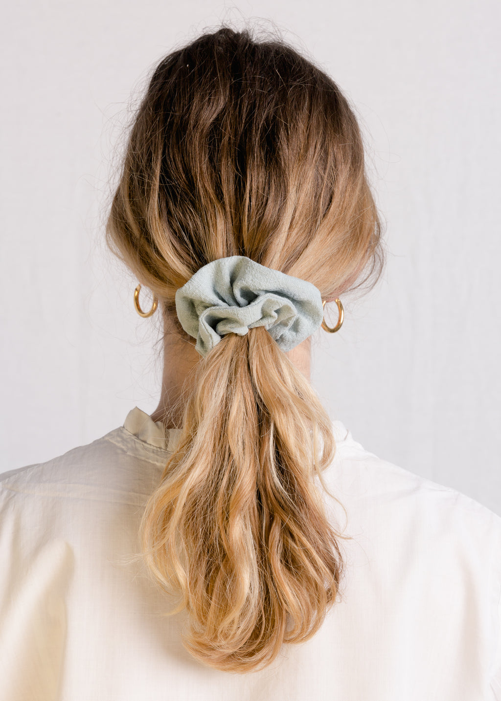 Jessie : Duck egg linen scrunchie