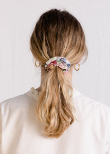 Jessie : In bloom cotton scrunchie