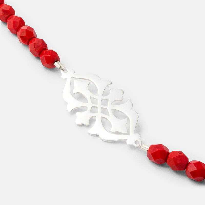 Arabesque necklace in sterling silver and red glass beads