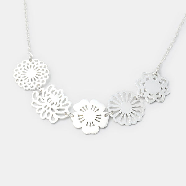 Silver necklace: bouquet of flowers chain necklace