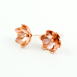 Double tulip earrings in rose gold.