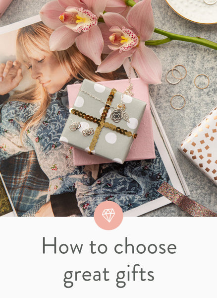 How to choose gifts for women, including jewellery: your wife, girlfriend, mother, sister or female friend.