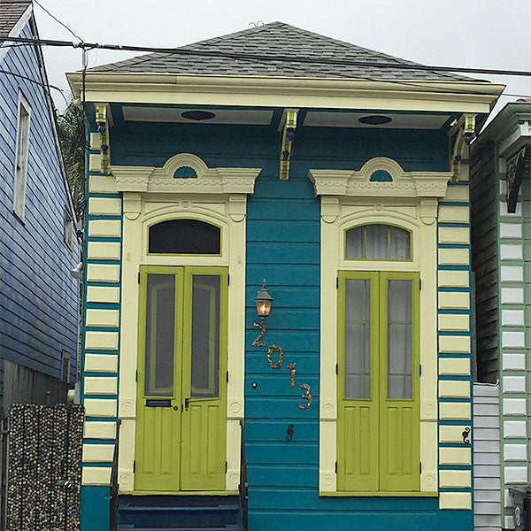 Shotgun shack in the French Quarter, New Orleans.