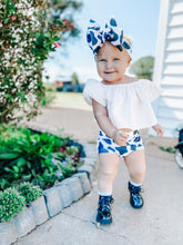 Load image into Gallery viewer, Cow Print High Waisted Bummies / Diaper Cover / Coming Home Outfit/ Birthday Outfit/ Smash Cake Outfit