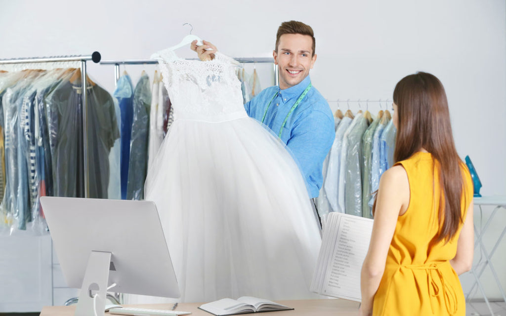 What are the Do's and Don'ts of storing your wedding dress?