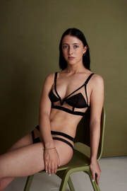 For identity // Against stereotypes longline bra