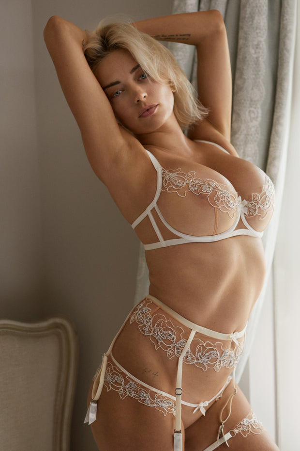 Caroline Vreeland for Agent Provocateur in Lindie bridal lingerie