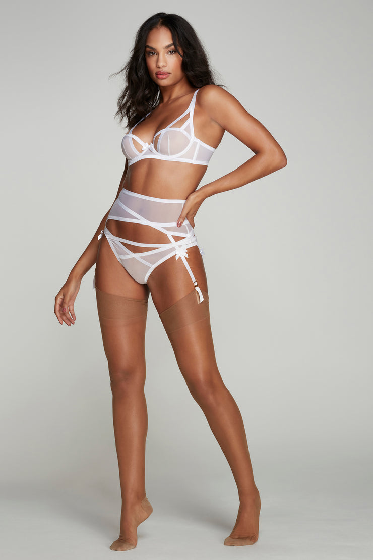 white lingerie set with suspender from agent provocateur
