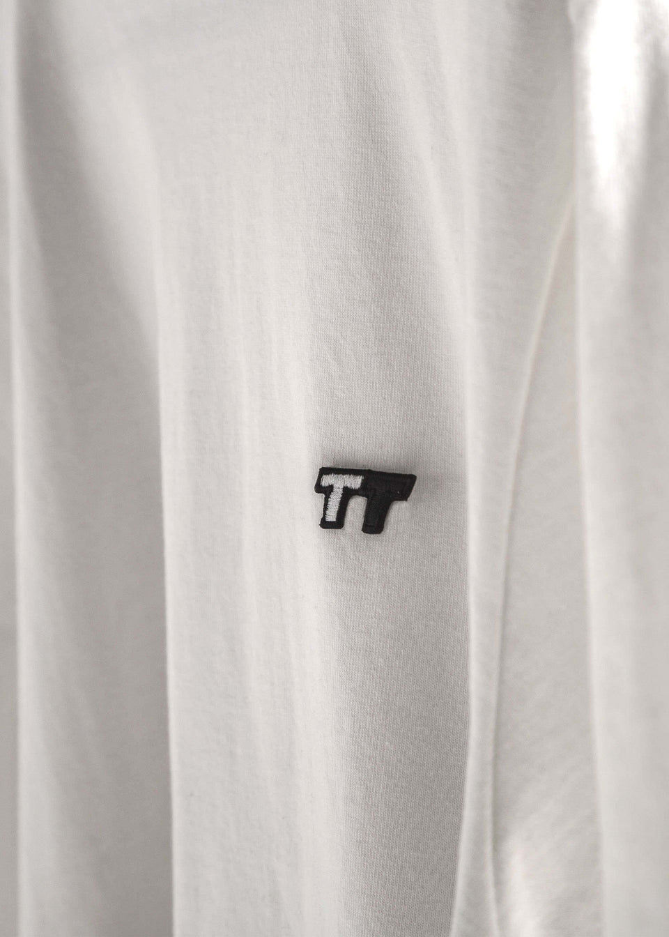 Hvy Tee Badge - Saint Street