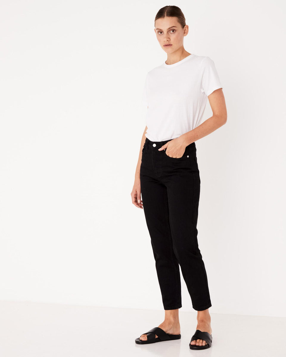 High Waisted Rigid Jean True Black - Saint Street