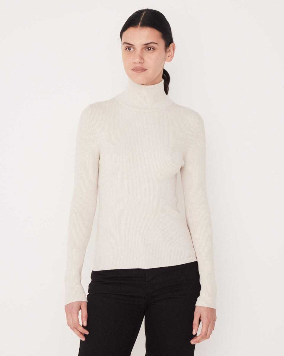 Turtle Neck Knit Chalk White - Saint Street