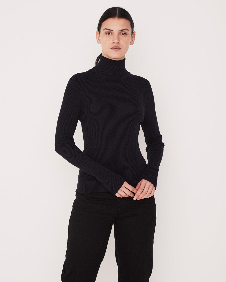 Turtle Neck Knit True Navy - Saint Street