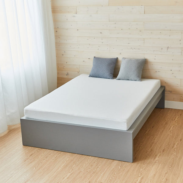 "Full Size Mattress (4"" thick)"