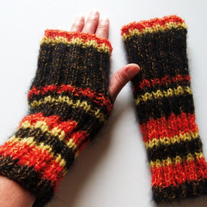 Fall Fashion Fingerless Gloves Easy Knitting Pattern Striped Gloves