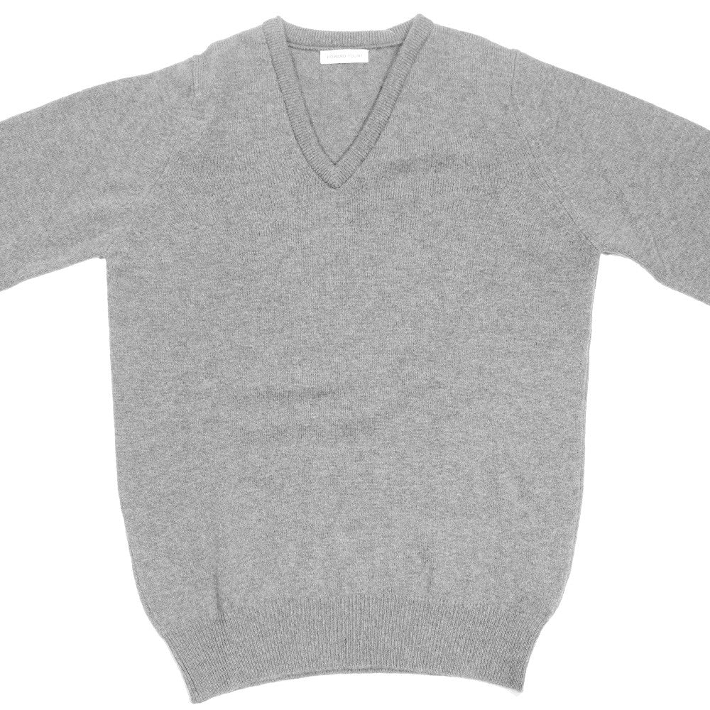 Lambswool V-Neck - Dove Grey