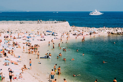 Beach cap d'Antibes - Le Magazine My Parisiennes