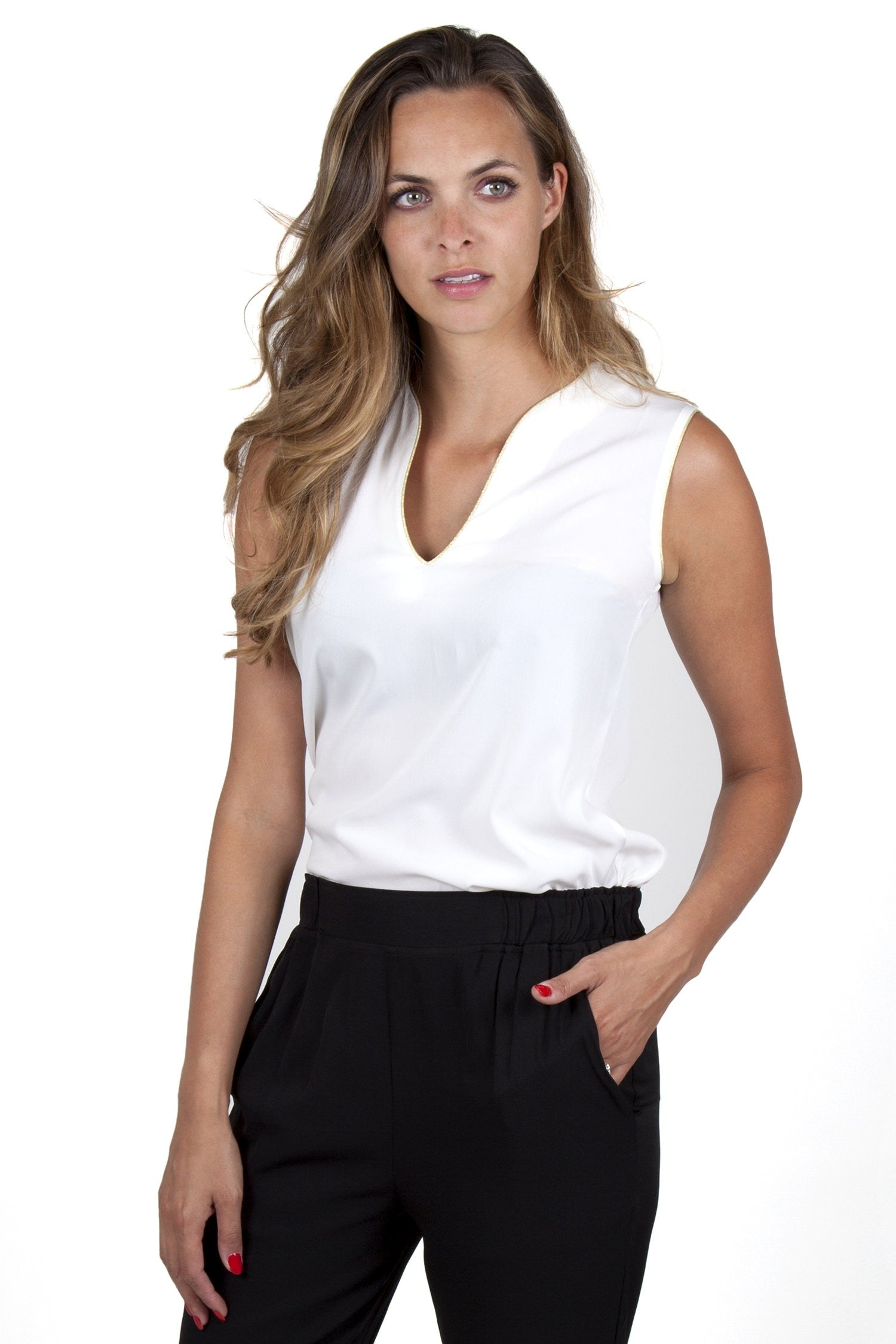 Ina White Top Capsule Collection By Juliette - Tops Capsule Collection By Juliette