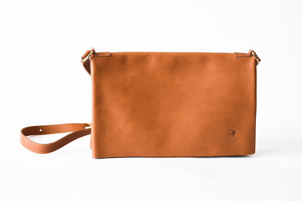 Emma Camel Leather Clutch With Flap Maison Jeanne - Clutch