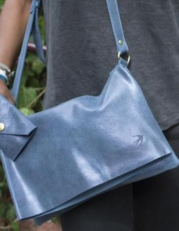 Emma Blue Leather Clutch With Flap Maison Jeanne - Clutch Maison Jeanne